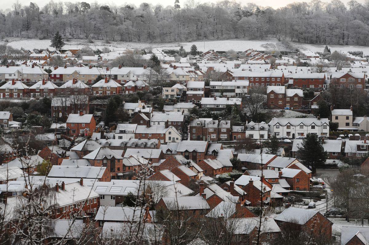 Snow falls in Bridgnorth