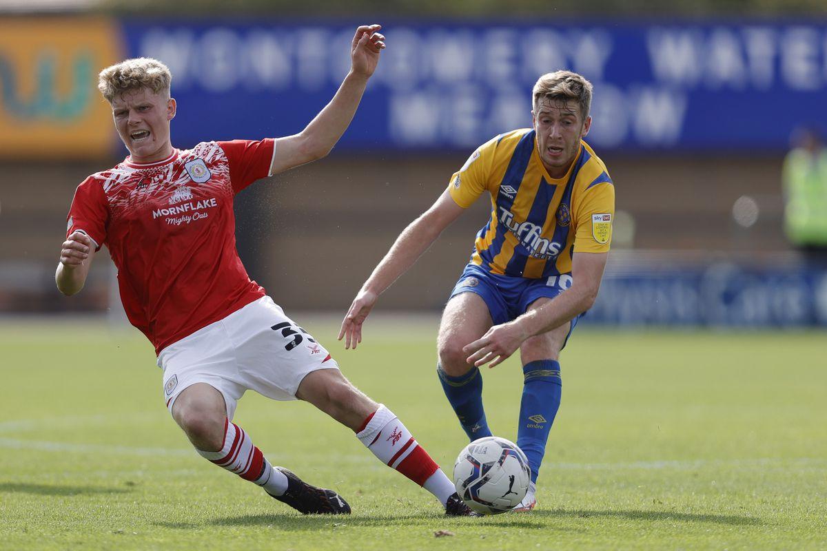 Josh Vela of Shrewsbury Town and Scott Robertson of Crewe Alexandra. (AMA)