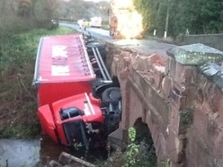 Lorry crash bridge repairs 'going to plan' despite diversion confusion
