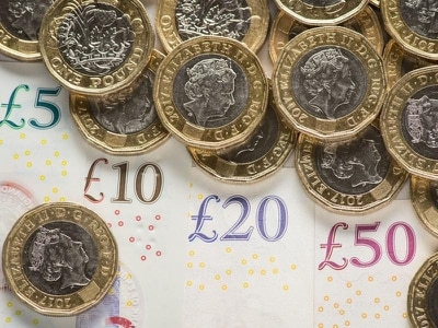 UK economy suffers worst three months in decade after stagnating in October
