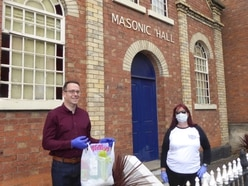Newport Masons help food bank with £1,000 donation