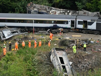 Flood-risked parts of rail network to be inspected after train derailment