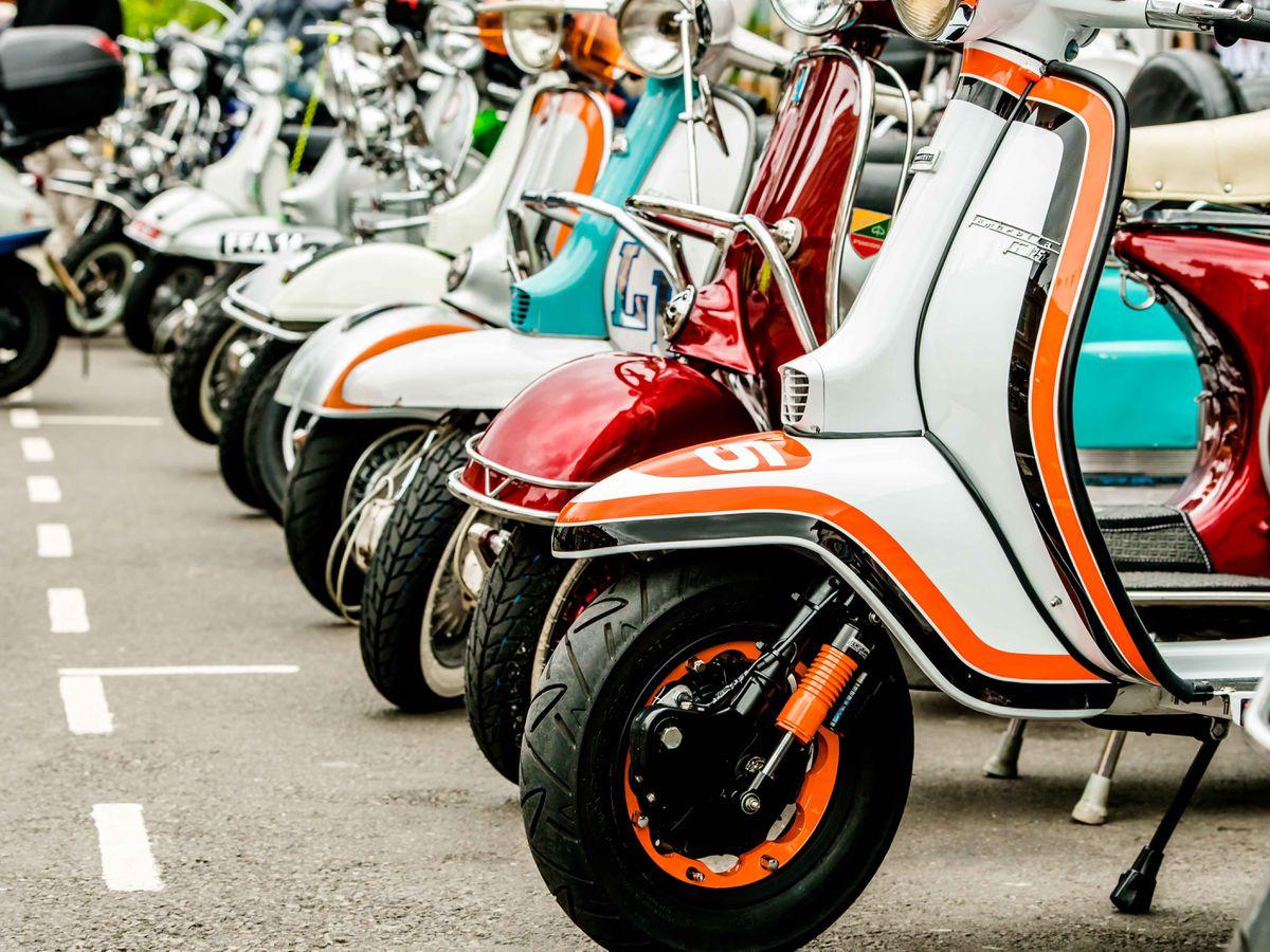 SOUTH COPYRIGHT SHROPSHIRE STAR JAMIE RICKETTS 04/09/2016  Italian Auto Moto Festival 2016 in Bridgnorth High Street..