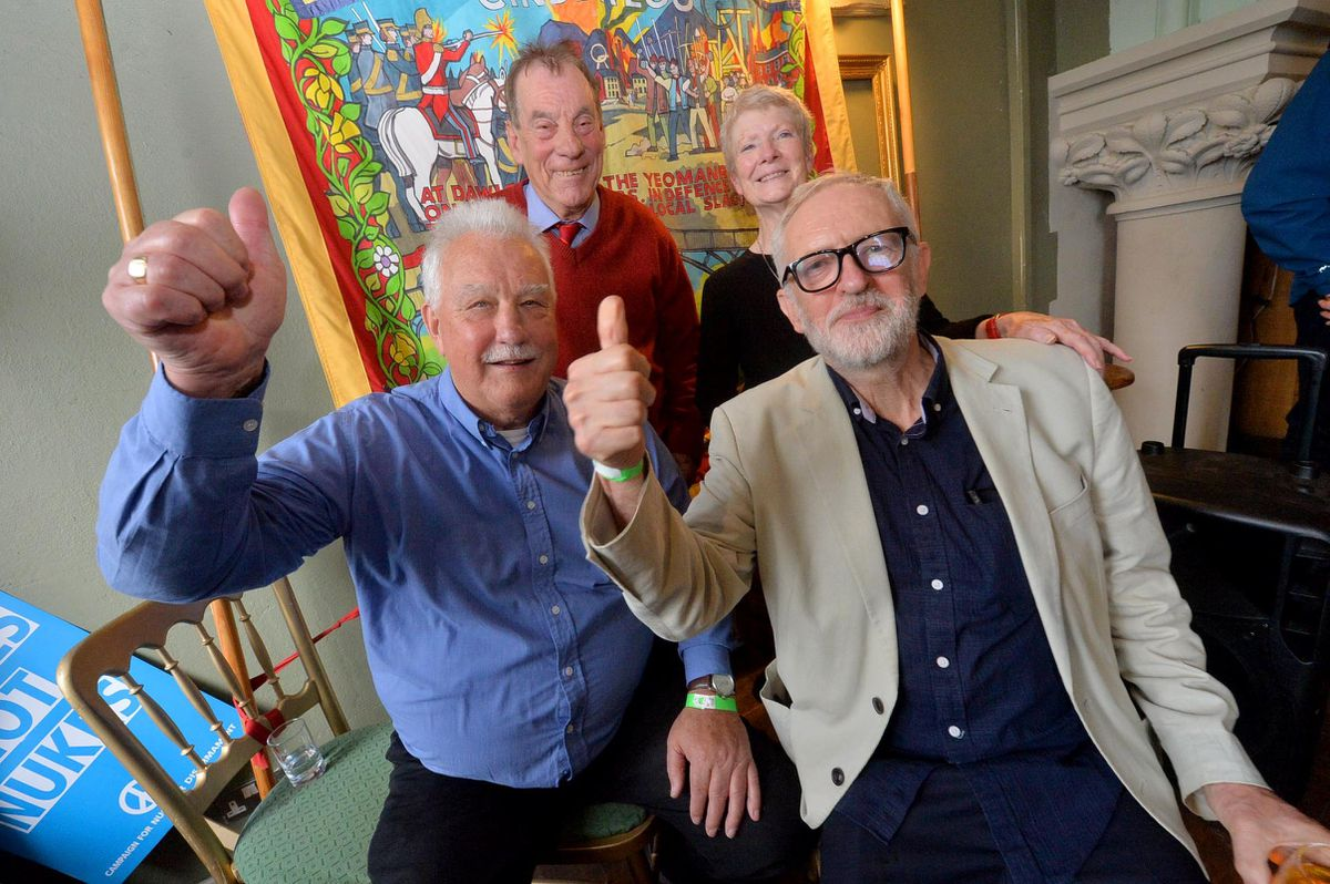 Terry Renshaw and Jeremy Corbyn MP, front, with Harry Chadwick and Eileen Turnbull, back