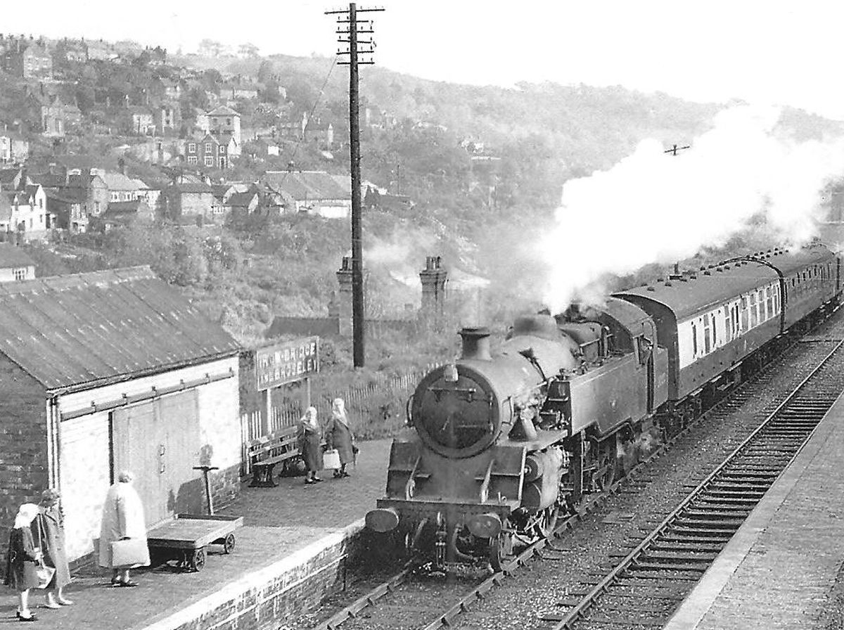 A train steams through the old Ironbridge Railway Station, which closed in 1963