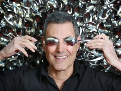 Uri Geller vows to stop Brexit telepathically