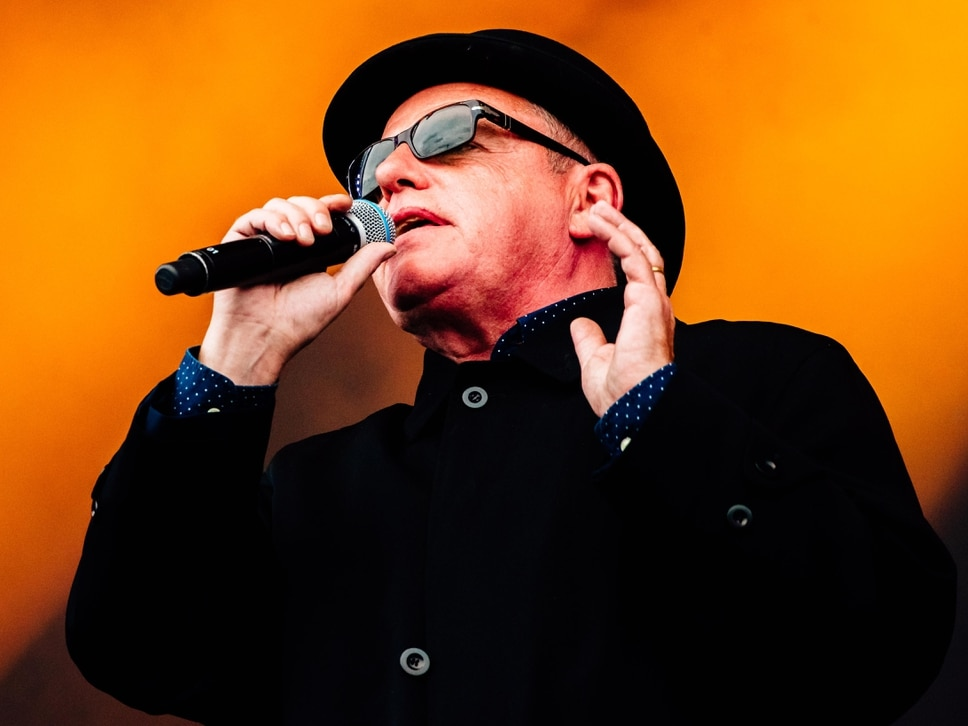 V Festival 2017: Madness frontman Suggs pays tribute to Bruce Forsyth during energetic performance