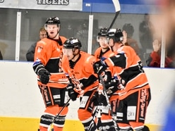 Telford Tigers fight back to win home opener