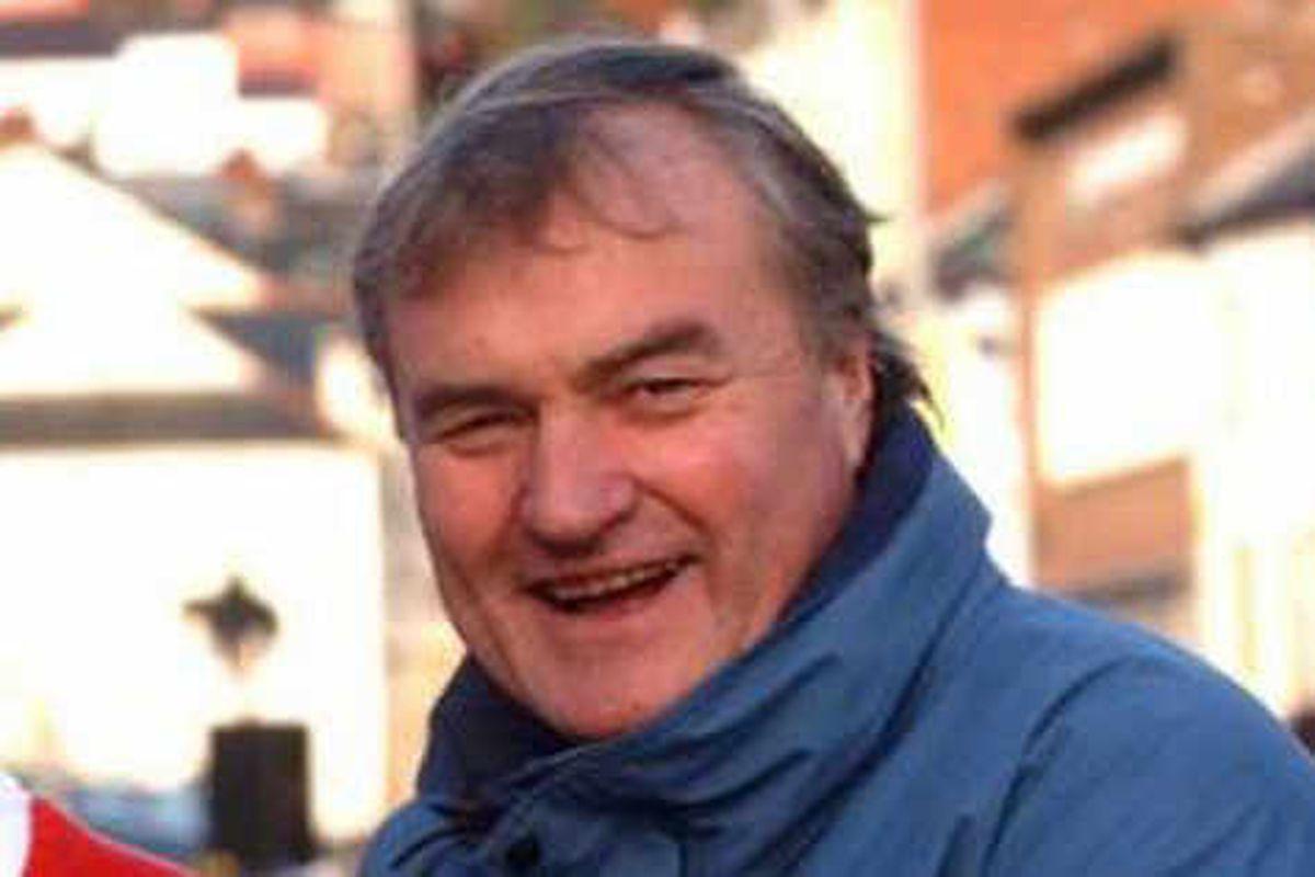 Mick Bates fined over paramedic assaults