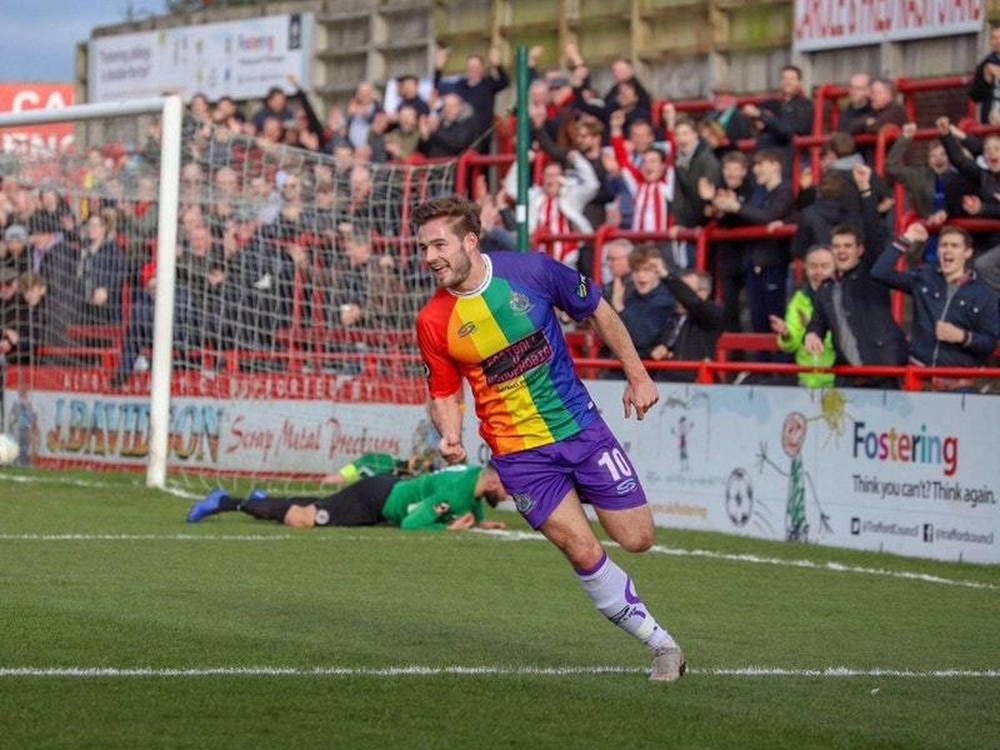... follow the example of Altrincham FC after they wore a rainbow coloured  kit in a competitive fixture in support of football s fight against  homophobia. 549769ce8
