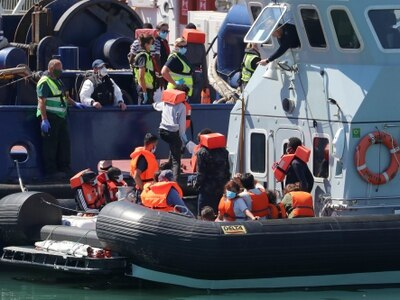Britain to demand French crackdown on migrant Channel crossings