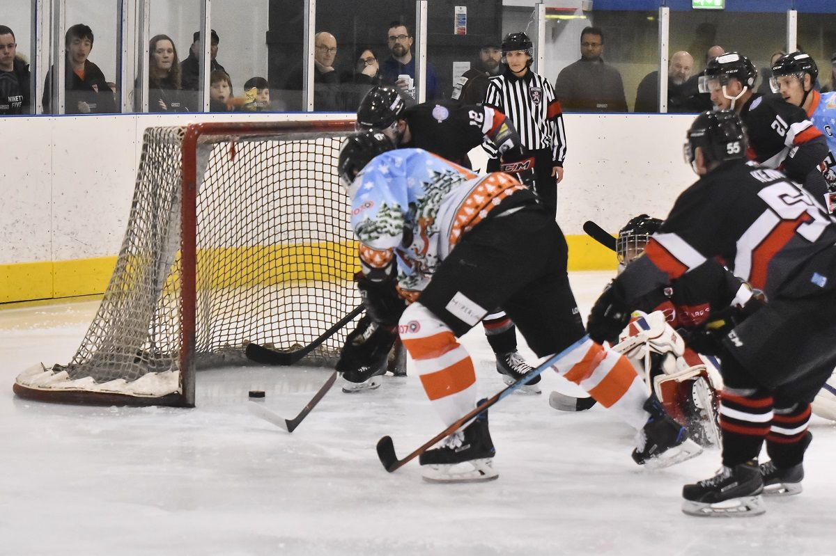 Ricky Plant reaches out and scores for Tigers