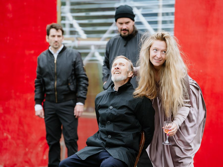 Here to There Productions rehearsing for King Lear at Stokesay Court