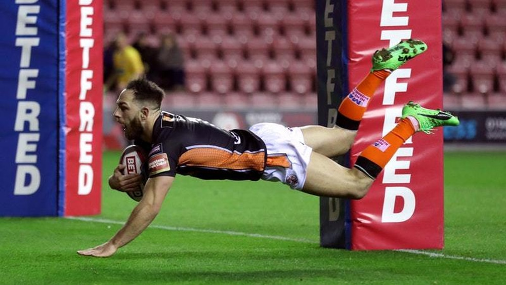 Gale beats Hardaker and Kelly to Man of Steel award