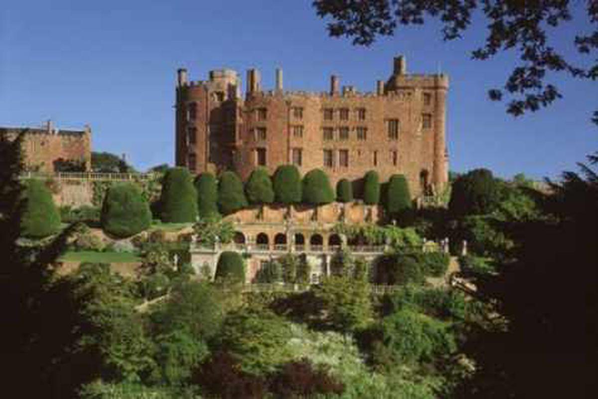 Powis Castle to show Royal Wedding on giant screen