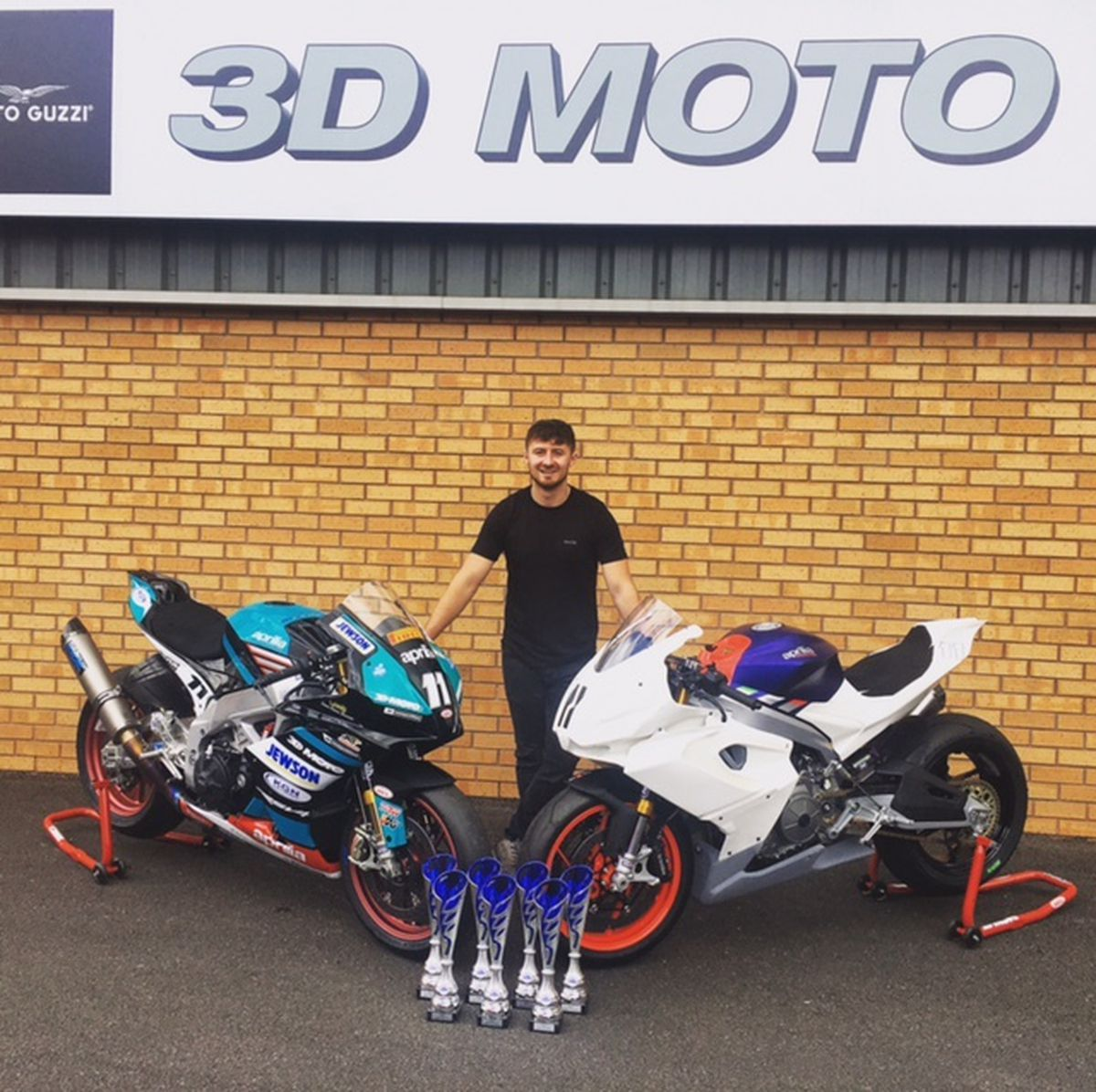 Louis Dawson wrapped up seven wins at Mallory Park