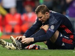 Manuel Neuer out until 2018 with broken foot