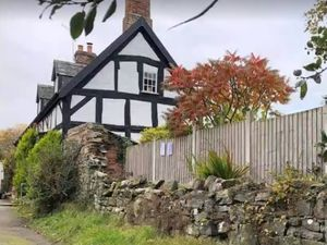 Grade ii listed Oldford Cottage in Welshpool
