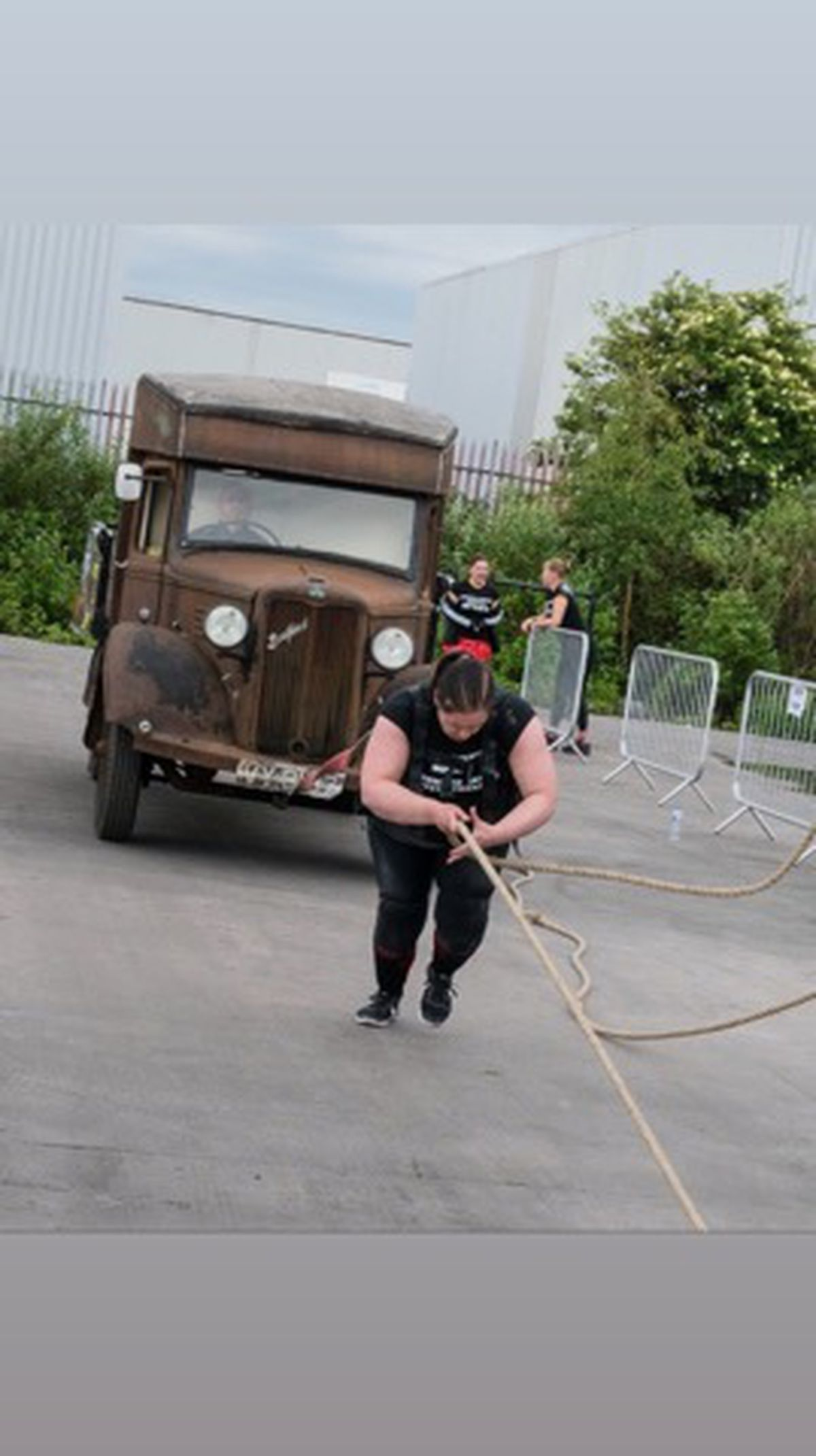 Kelly pulling a truck