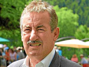 Dismay at homes decision U-turn - Only Fools and Horses star John Challis blasts the plans