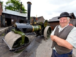 Thousands turn out for vintage display at Blists Hill