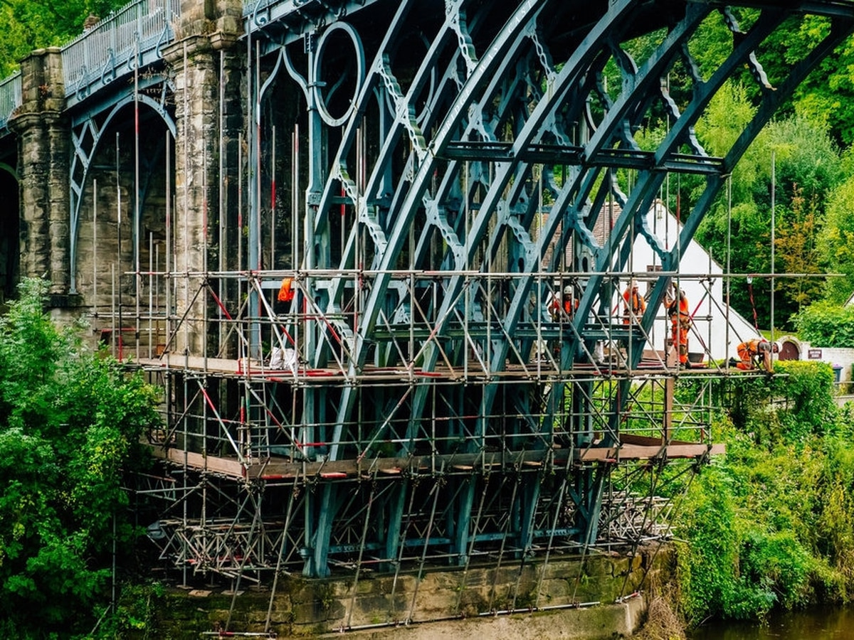 Main Ironbridge Road To Close As Huge Crane Brought In For