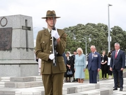 Prince of Wales lays wreath to honour those who served for New Zealand