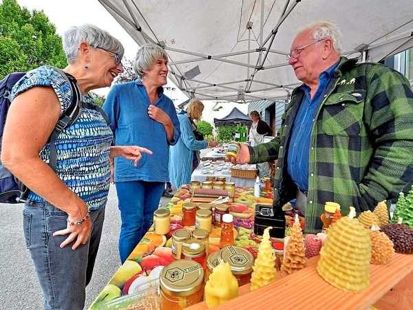 Street stalls busy once again as Bishop's Castle market returns