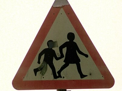 Traffic-free school streets to be considered in Shropshire