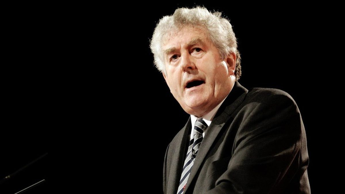 Former Welsh first minster Rhodri Morgan died while cycling
