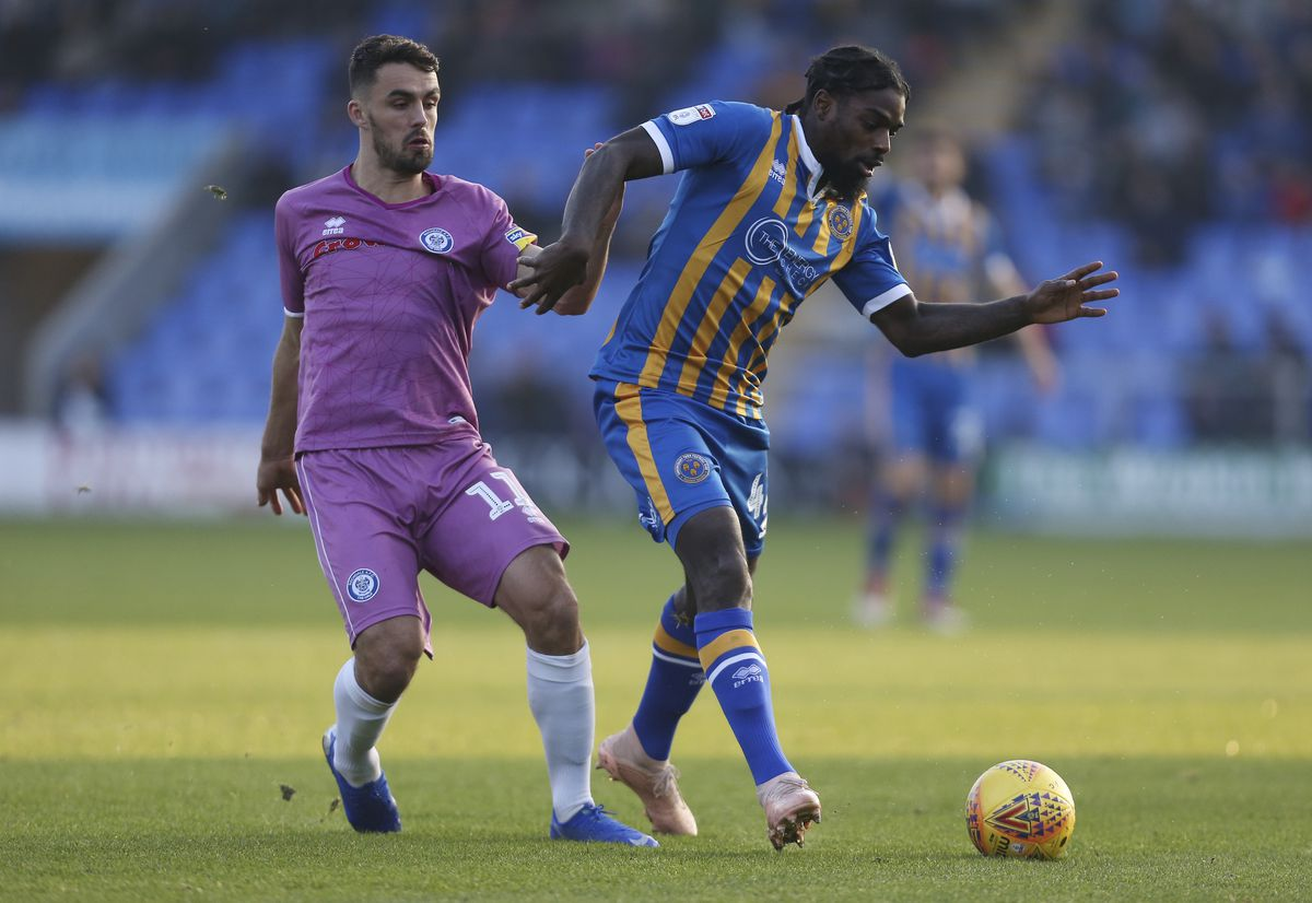 Jordan Williams of Rochdale and Anthony Grant of Shrewsbury Town. (AMA)