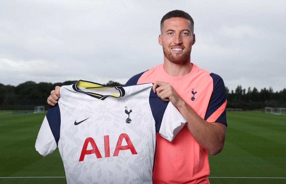Matt Doherty signs for Spurs