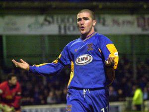 PIC BY ED BAGNALL 26/12/02. Shrewsbury Town's hatrick man Ryan Lowe celebrates scoring the second goal. XXXX