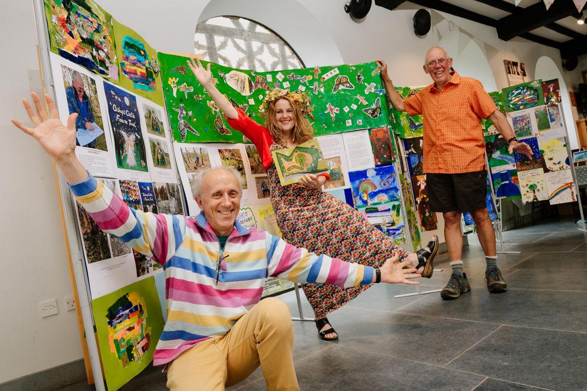 Artists Herry Gabriel and Sarah Gillard with Councillor Glynn Roberts