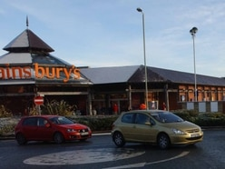 Drivers trapped in Sainsbury's car park as Oswestry traffic lights cause gridlock