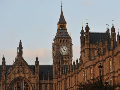 Majority of Britons support forming national unity government to tackle crisis