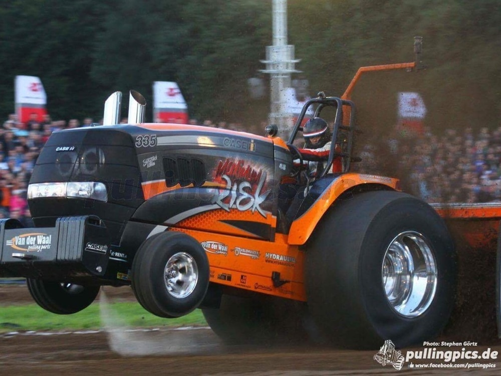 Powerful tractors in charity weekend event