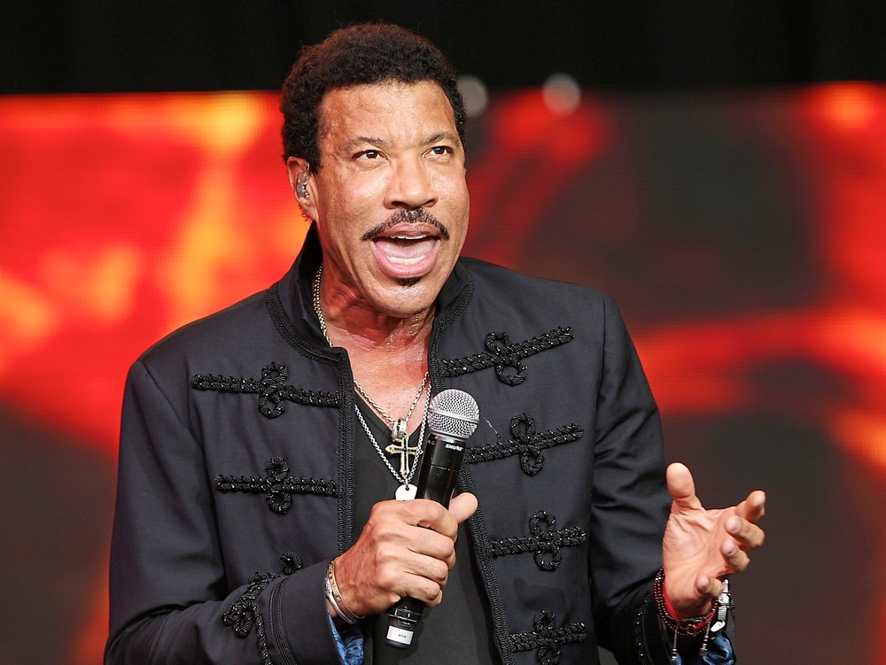 Lionel Richie announces 2018 United Kingdom tour
