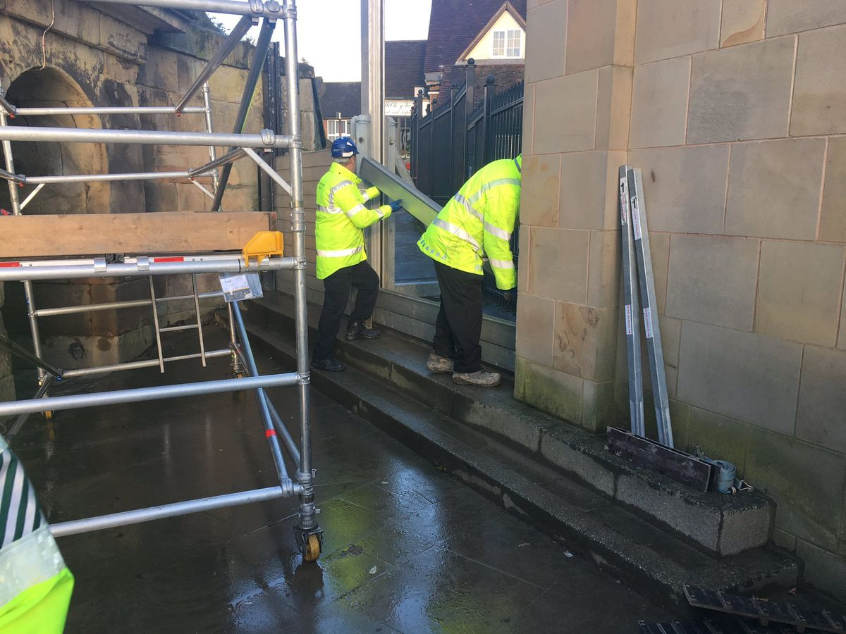 Low level flood barriers going up at Frankwell in Shrewsbury. Photo: @MarkBowersEA