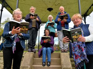 BORDER COPYRIGHT SHROPSHIRE STAR STEVE LEATH 12/05/2021..Pic in Oswestry, of Choir: Cantiones. Front L-R: Pam Parish and  Val Baty.  Back L-R: Gerry Howe,  Eileen Limbrey,  Liz Grayston, David Ward..