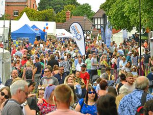 SHROPSHIRE STAR ( JOHN SAMBROOKS ) 23/06/2018  Crowds flock to the Shrewsbury Food Festival, The Quarry, Shrewsbury.