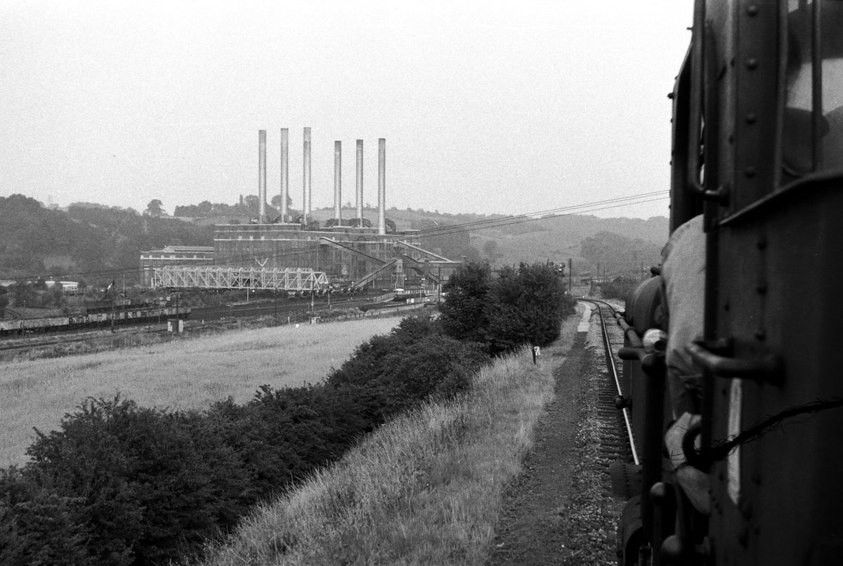 Approaching the original 1930s Ironbridge Power Station.