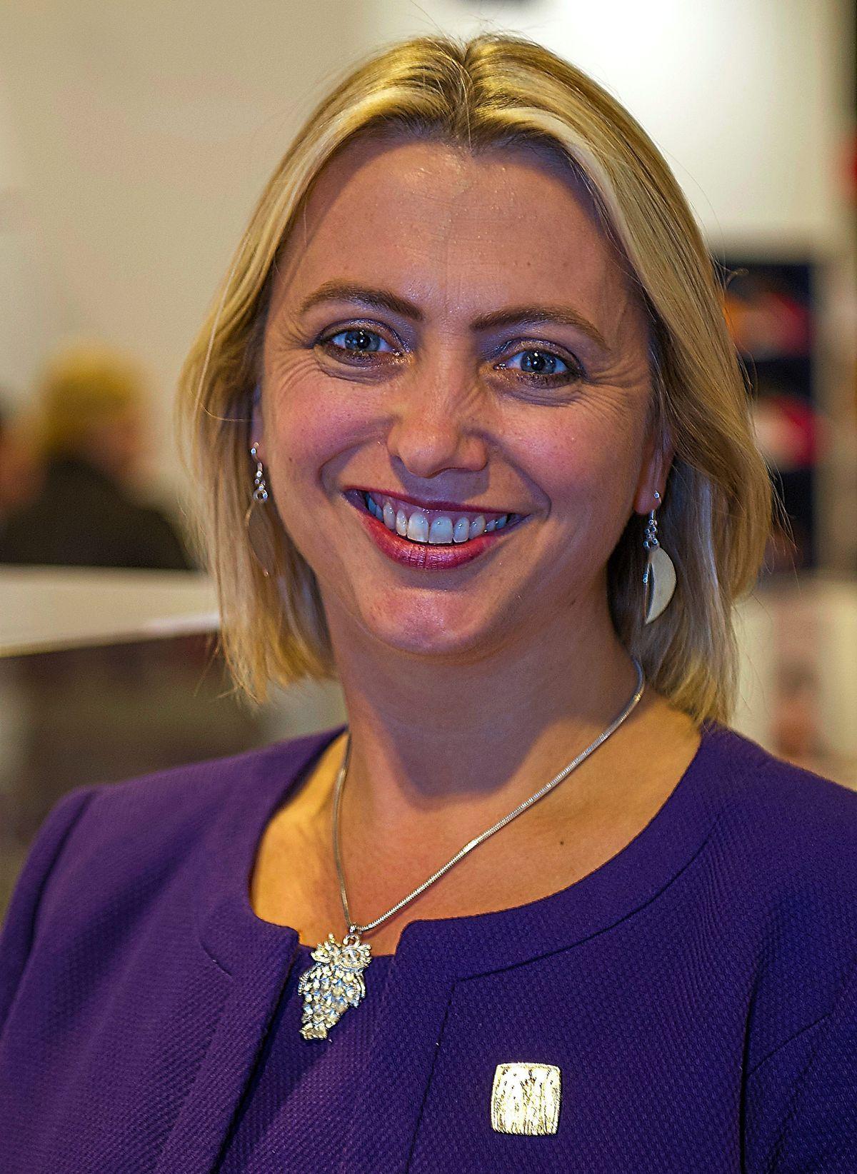 Dr Helen Stokes-Lampard