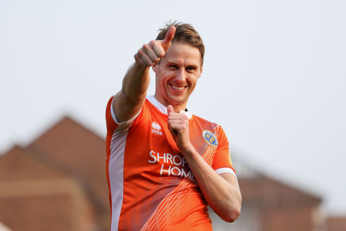 Shrewsbury's Dave Edwards is considering hanging up his boots at the end of his contract this summer (AMA)