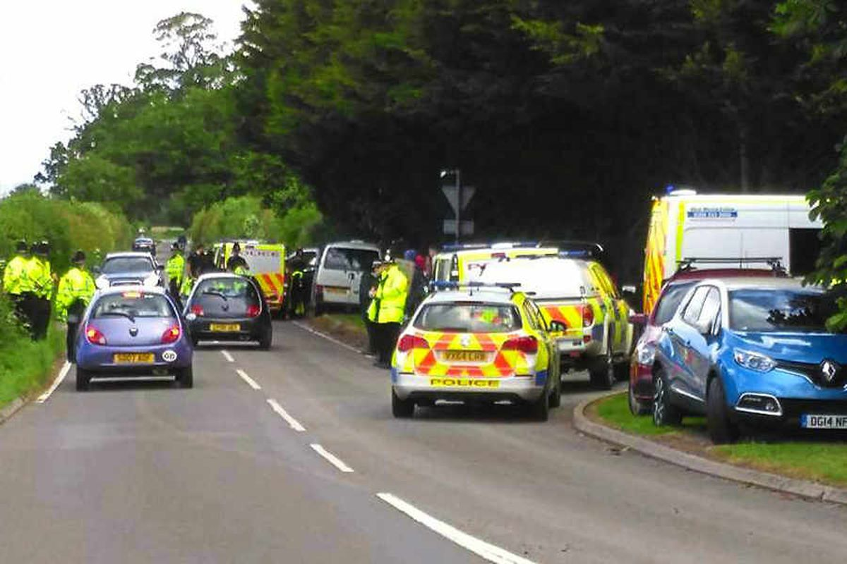 Police called as circus protesters line Oswestry road