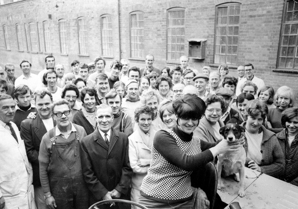 The last day of Maw & Co in Jackfield, which must have been on December 31, 1969, unless they also worked on January 1, 1970, as the Shropshire Star published a farewell photo of these workers – albeit from a somewhat different angle – on January 2, 1970. None of those in the picture are identified. Was the dog some kind of works dog?
