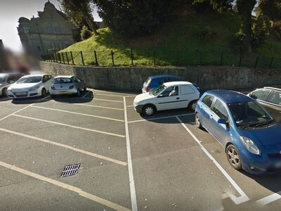 Overnight parking charges scrapped in Oswestry