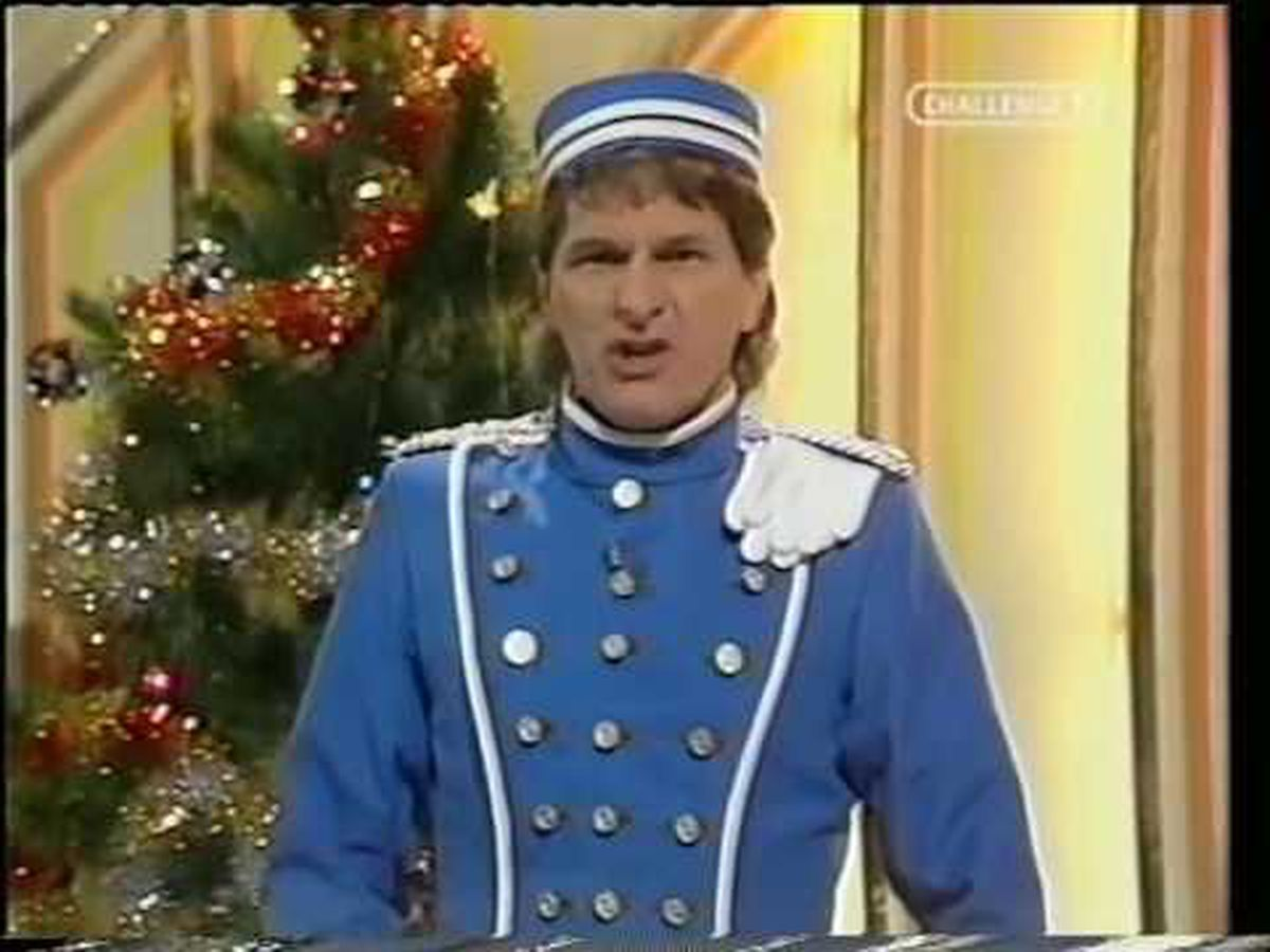 Stu Francis, pictured here in the 1983 Christmas special, was the last presenter of Crackerjack!