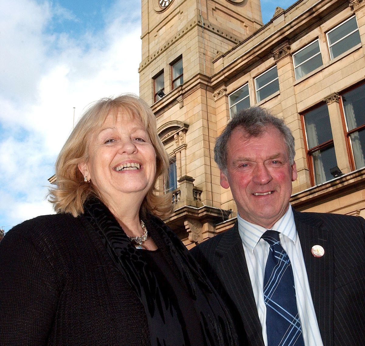Dame Cheryl with the then Montgomeryshire MP Glyn Davies during a visit to Welshpool