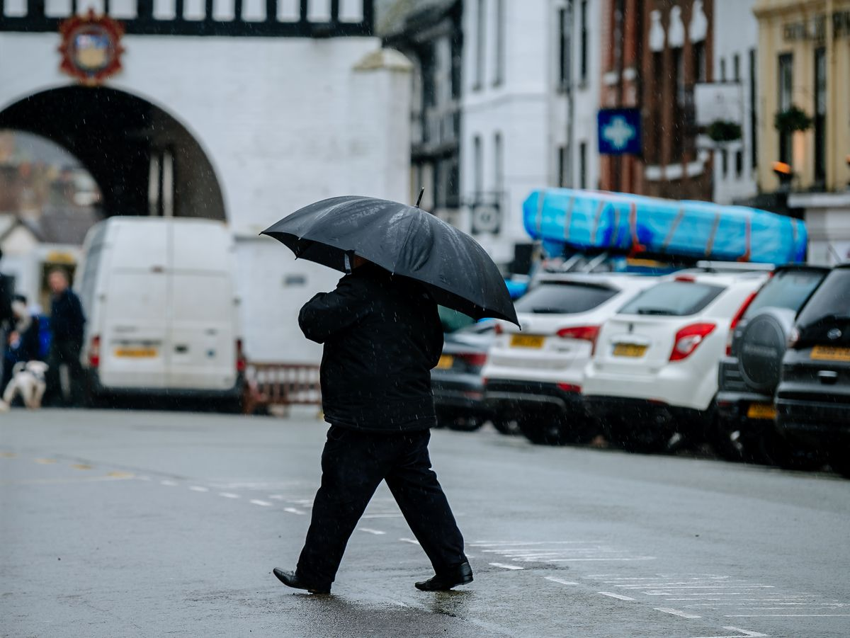 Sheltering from the rain in Bridgnorth on Saturday